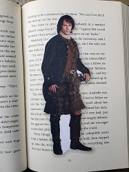 Pocket Jamie Fraser is the best gift for romance readers.